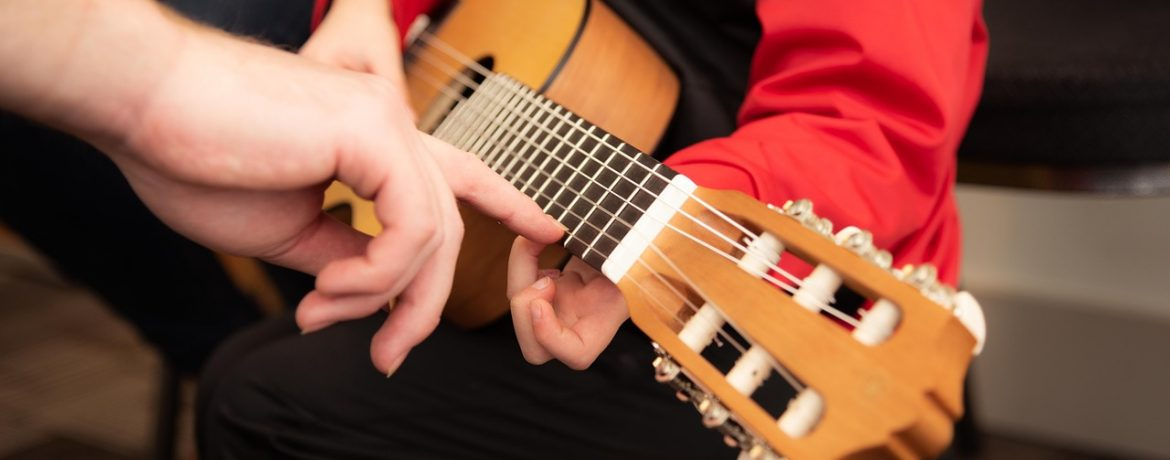 Guitar Lessons – Lessons for beginners or advanced children. – Private lesson, one-to-one teaching – 30 min = 20 € Please contact Mr. Kai Richartz to schedule your guitar lesson: Schedule Lesson Here